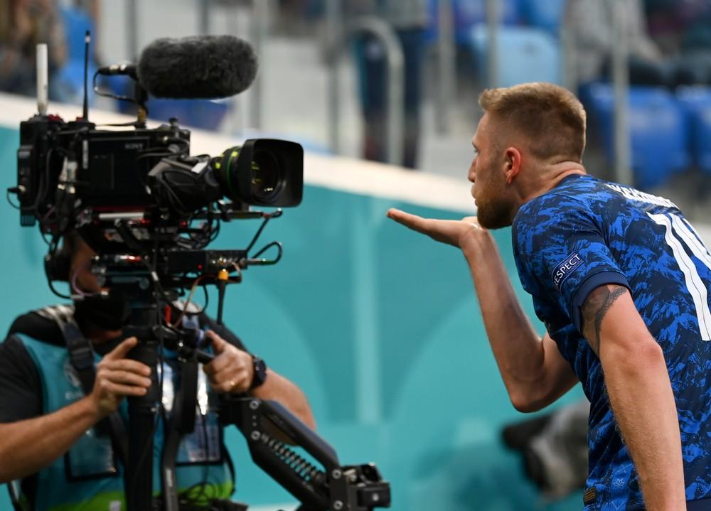Ani Lewandowski by sa nehanbil, ospevoval gól Škriniara komentátor