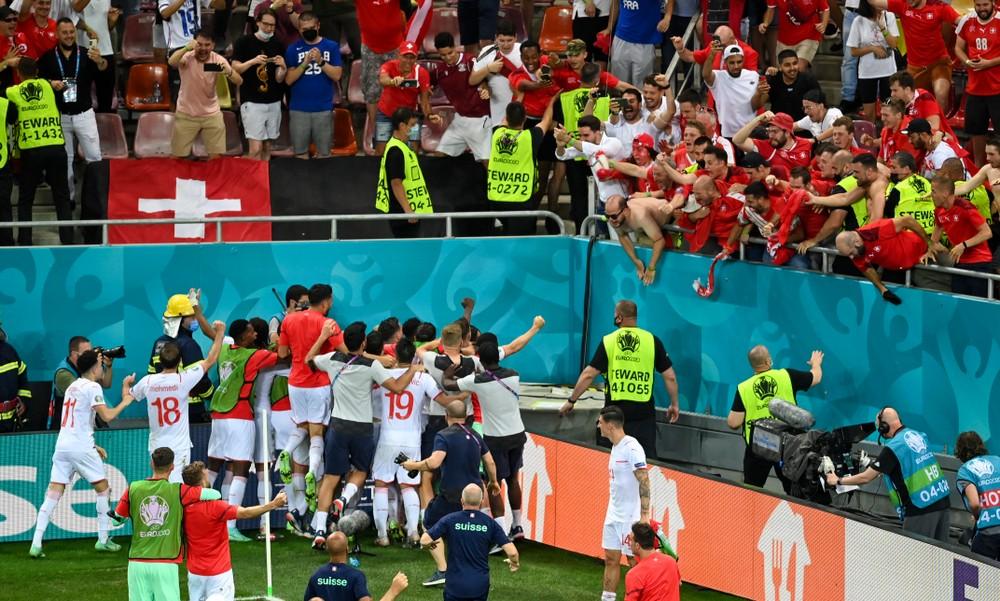 Šialené, bláznivé, senzačné. Švajčiari vyradili na EURO majstrov sveta