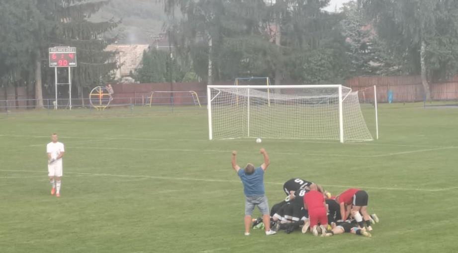 Malá dedina si vybojovala zápas proti Slovanu. Celý sa trasiem, vravel starosta