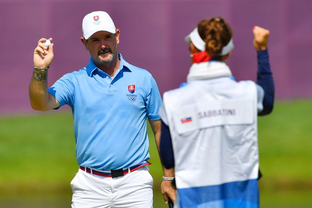 Golfista Sabbatini spôsobil senzáciu, od zlata ho delil jeden úder