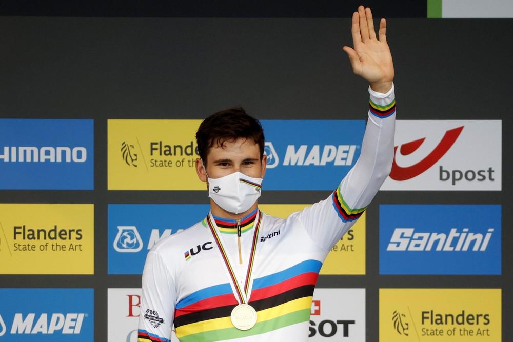 Van Aert začal MS v cyklistike striebrom, titul v časovke obhájil Ganna