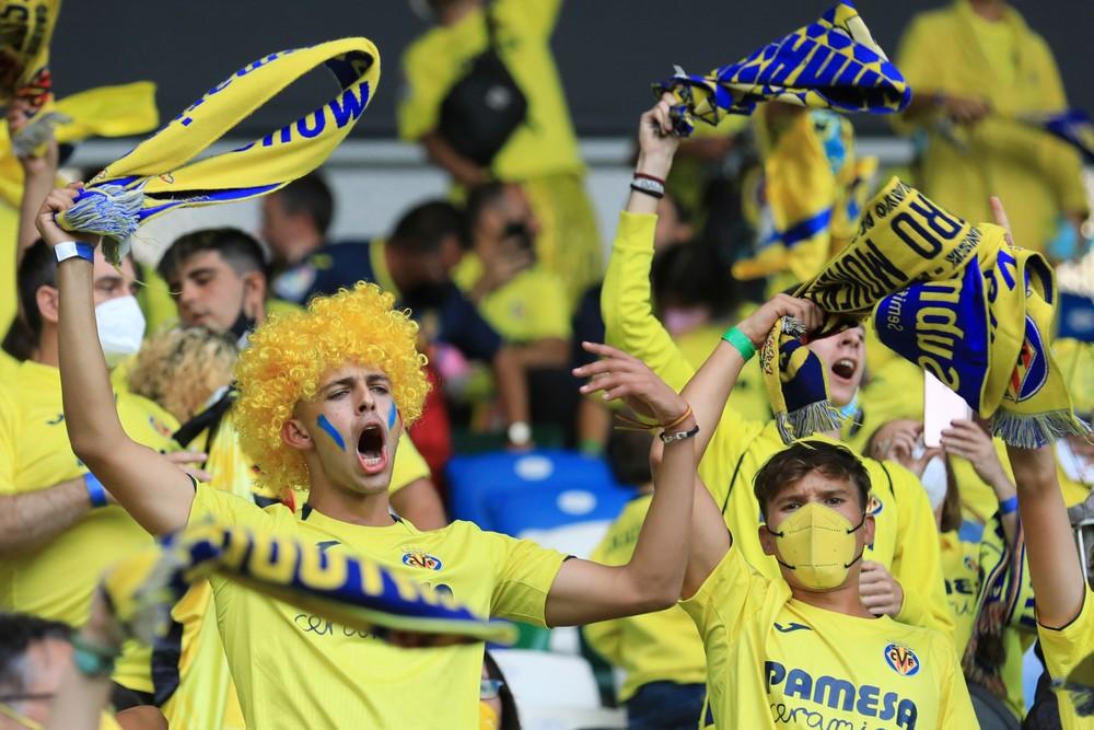 Na pohárové zápasy môžu prísť aj fanúšikovia hostí. Klubom to povolila UEFA