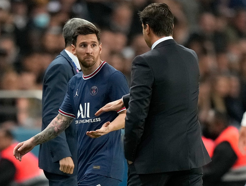 Messi ukázal grimasu, ignoroval trénera. Nezniesol, že ho stiahol