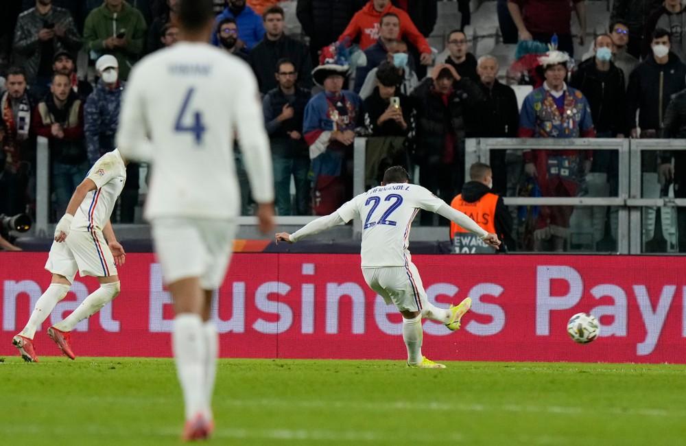 Francúzov poslal do finále Ligy národov. Teraz mal pozitívny test na koronavírus