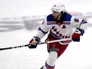 Rangers si udržali svoju hviezdu. Švéd podpísal dlhodobý kontrakt
