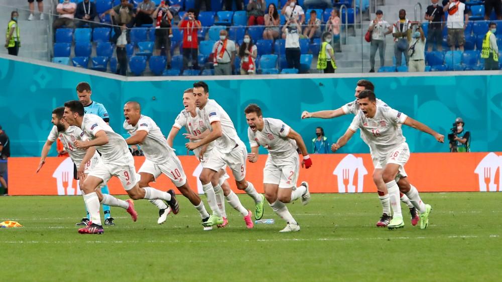 Obrovská dráma až do konca. Španieli postúpili do semifinále