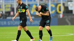 Škriniar sa hneval, vraj ho faulovali. Inter dokázal otočiť a velí Serii A