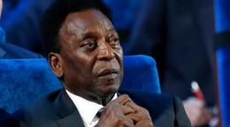 Pelé oslávil 81. narodeniny, dostal tortu v tvare lopty