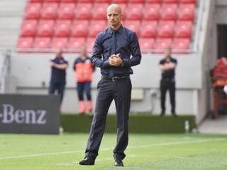 Bývalý trnavský tréner El Maestro v Sofii skončil už po polroku. Klub ho vyhodil