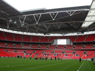 Potrebovali navýšiť kapacitu futbalového štadióna. Rusi zvolili netradičné riešenie