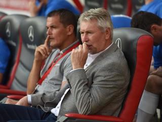 Bývalý tréner Slovenska zažil paradox. Viedol krajinu, kde futbal prakticky neexistuje