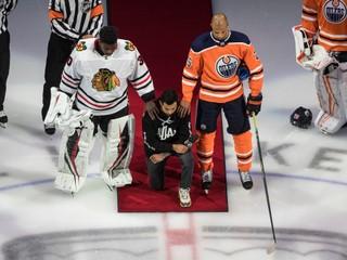 Bojuje proti rasizmu či rakovine a pomáhal po požiaroch. Vyslúžil si cenu od NHL