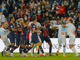 PSG prehral aj druhý duel, rozhodca vylúčil až piatich hráčov vrátane Neymara