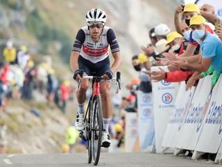 Na Tour de France skončil na pódiu. Do Ineosu sa vracia skvelý vrchár
