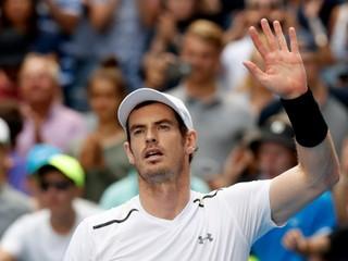 Murray bez problémov postúpil do osemfinále, ďalej ide aj Wawrinka
