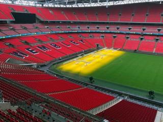 Britská vláda podporí športové kluby, vyčlenila im stovky miliónov libier