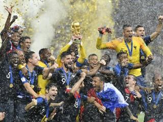 Do futbalu sa miešala politika. Aký bol šampionát v Rusku?