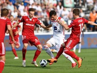 Slovensko zdolalo Poľsko 2:0. Do Žiliny vďaka tomu príde slávny Holanďan