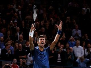 Federer sa na Turnaji majstrov stretne s Thiemom či Nišikorim, debutant Isner nahradil Nadala