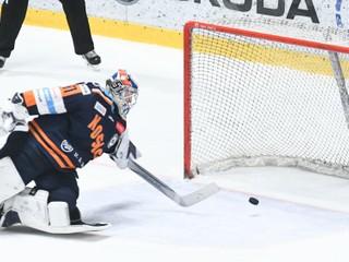 Prečo sú hokejisti na Slovensku rukojemníkmi klubov? (otázky a odpovede)