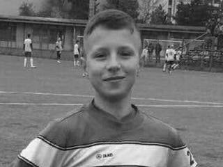 Mal iba štrnásť. Prečo futbalisti umierajú na ihrisku?