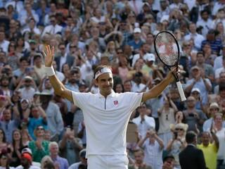 Federer vyhral stý zápas vo Wimbledone, v boji o finále vyzve Nadala