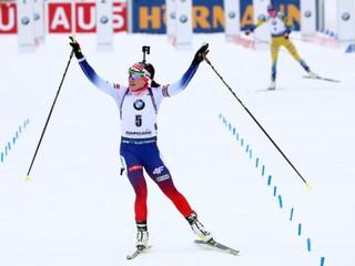 Skvelá Paulína Fialková skončila v stíhacích pretekoch druhá, vyhrala Eckhoffová