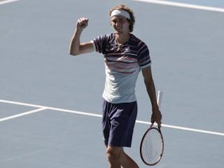 Thiem zaskočil Nadala, Zverev zlomil prekliatie. O finále zabojujú debutanti