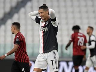 Slávny futbalista Ronaldo má koronavírus, nakazil sa ako jediný z celého tímu