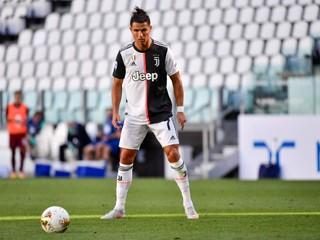 Nikto iný to nedokázal. Ronaldo parádnym gólom získal ďalší rekord