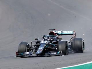 Rusi chcú počas pretekov F1 pustiť na tribúny desaťtisíce ľudí