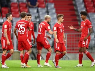 Bayern predviedol historické galapredstavenie. Hráčov vychválil aj legendárny Kahn