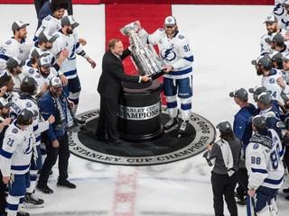 Nová sezóna NHL sa tento rok nezačne. Bettman oznámil nový termín