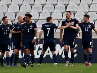 Škóti majú pred zápasom proti Slovensku problémy, nenastúpia až traja hráči