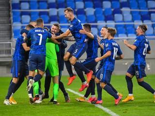 Slovenskí futbalisti po penaltách zdolali Írov a od postupu na EURO ich delí jediná výhra