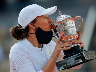 Poľská tínedžerka sa postarala o senzáciu, vyhrala Roland Garros