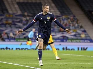 Slovenskí futbalisti prehrali v Škótsku a sú stále poslední, Hapal urobil veľké zmeny