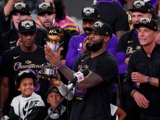 Prepísal štatistiky NBA. Dostal som Lakers tam, kam patria, vraví LeBron