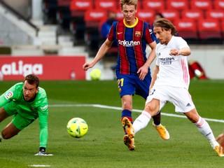 Real Madrid v El Clásicu prelomil trápenie, Barcelone strelil tri góly