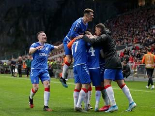 Večierok ich vyšiel draho, dvaja Gerrardovi zverenci sú suspendovaní