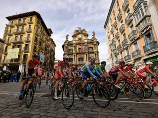 Saganov kolega v šprinte neuspel, Roglič si poľahky udržal červený dres