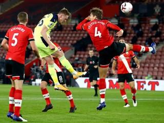 Predbehol Liverpool. Southampton sa dostal na čelo Premier League