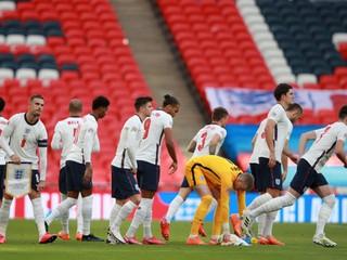 Netradičná situácia. Bude hrať Anglicko proti Islandu v Albánsku?