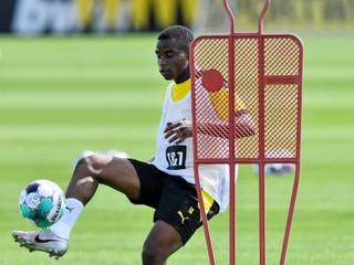 Žiari medzi staršími spoluhráčmi, v Bundeslige môže prekonať rekord