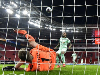 Rodák zo Slovenska si dal v Bundeslige bizarný gól: Toto bude na YouTube