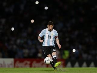 Argentína zverejnila hviezdnu nomináciu na Copa America. Messi v nej nechýba