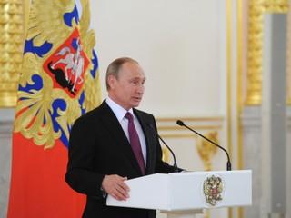 Vylúčenie atlétov je premyslené sprisahanie proti našim športovcom, tvrdí Putin