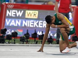 Prekonal legendárneho Johnsona. Van Niekerk utvoril nový svetový rekord