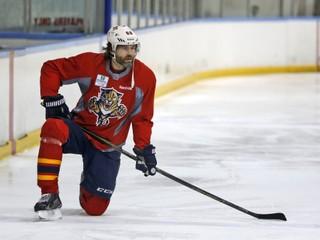 Jágr by mohol sezónu predsa len začať v NHL. Záujem má St. Louis