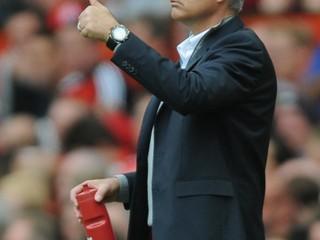 Arsenal si rýpol do Mourinha. Ak by boli v popredí, nevysmievajú sa, odkazuje tréner